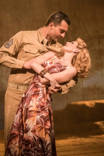 Rebecca Thornhill and Darius Campbell  © Johan Persson